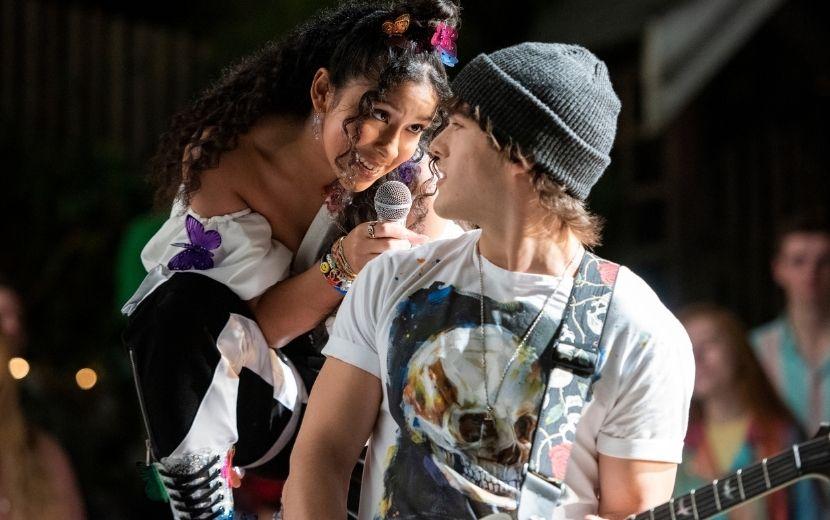 """Remake de série brasileira é lançado pela Netflix: conheça """"Julie and the Phantoms"""""""