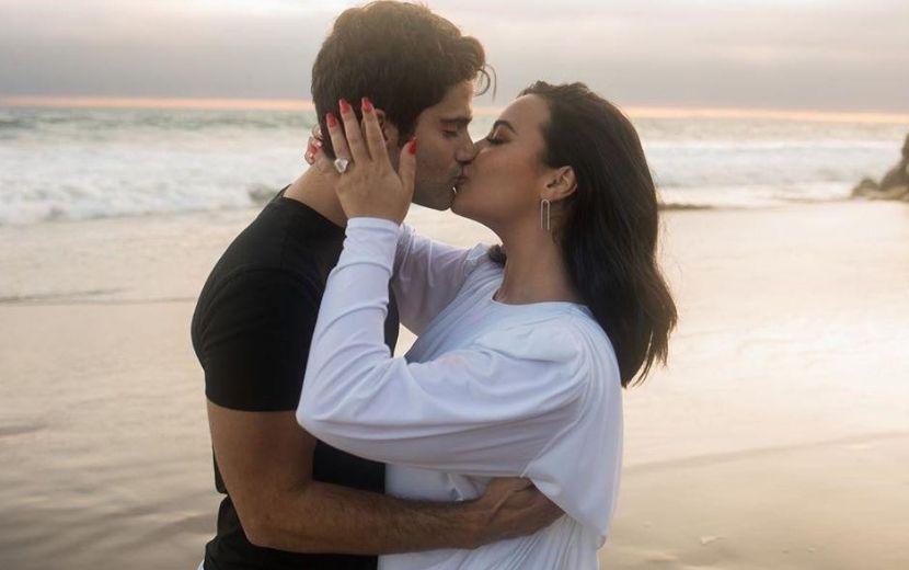 Demi Lovato teria devolvido anel de noivado a Max Ehrich, diz site