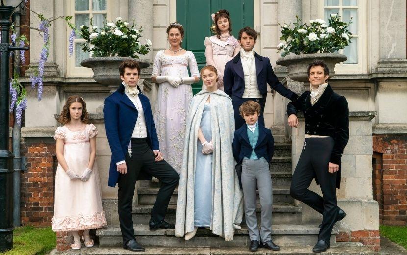 """""""Os Bridgertons"""": cena inédita mostra Simon e Lady Danbury; vem ver"""