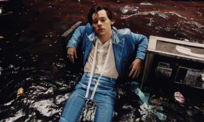 Harry Styles estrela ensaio fotográfico com vestido de babados - vem ver!