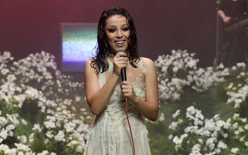 """EMA 2020: Doja Cat apresenta versão rock and roll de """"Say So"""""""