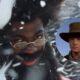 """Com referência a """"De Volta Ao Futuro 3"""", Lil Nas X vira Papai Noel em teaser de """"Holiday"""""""