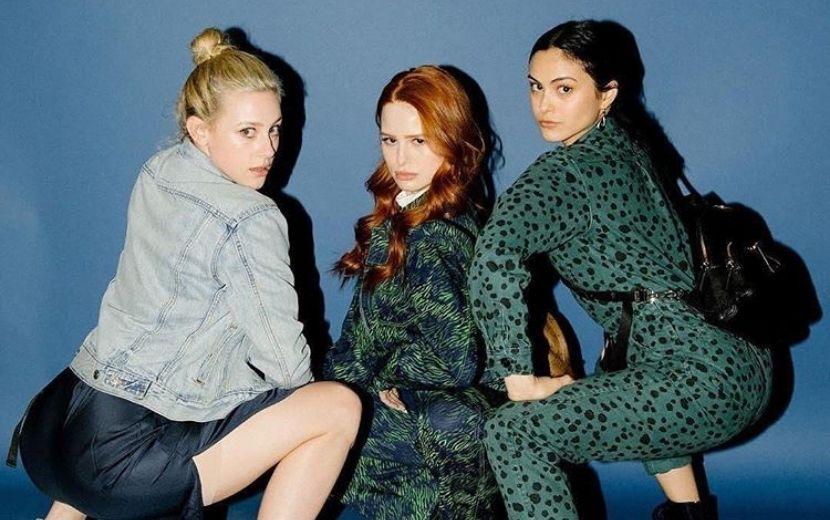Camila Mendes, Lili Reinhart e Madelaine Petsch, de Riverdale, viram Meninas Superpoderosas em cliques de Halloween