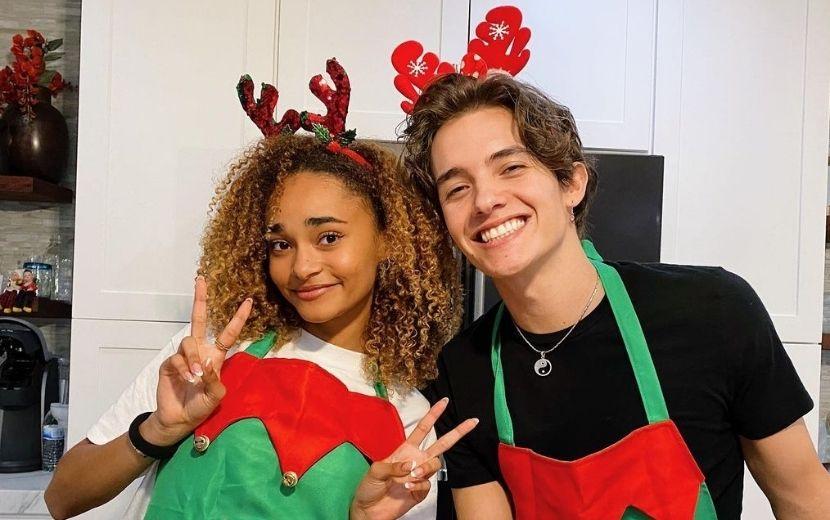 Noah Urrea e Mélanie, do Now United, fazem cover de música natalina