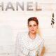 Garota da Chanel: devido à pandemia, grife convida apenas Kristen Stewart para plateia presencial de desfile