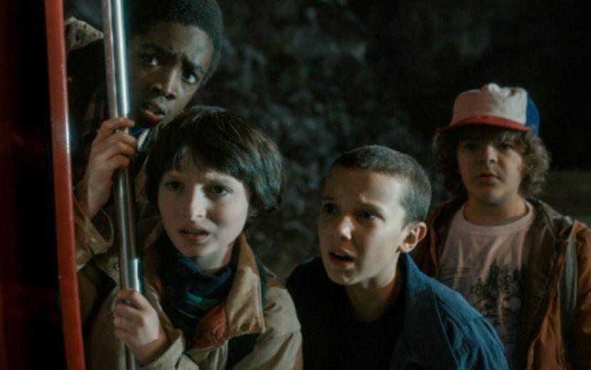 """""""Stranger Things"""": foto dos bastidores pode indicar retorno de personagem na nova temporada"""