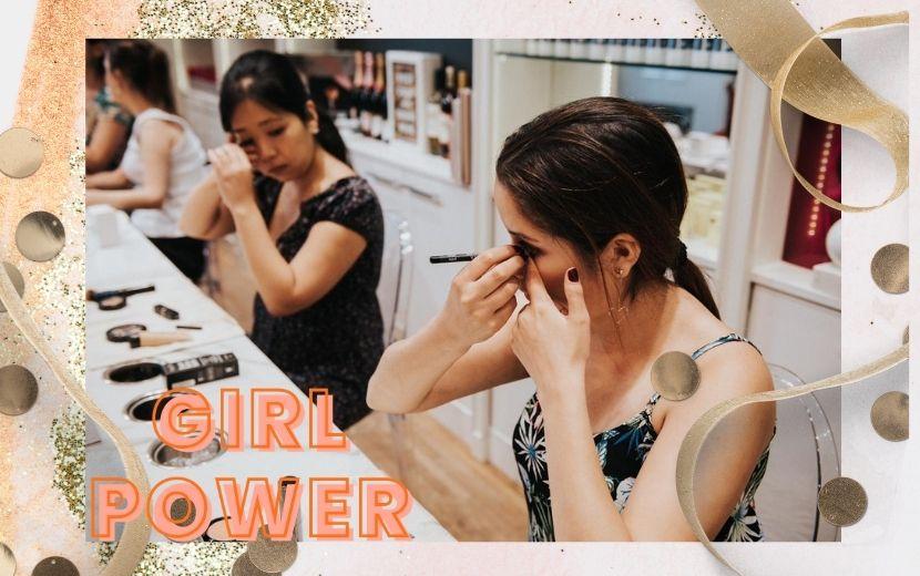 Acessibilidade e empoderamento feminino: maquiadora faz a diferença com automaquiagem para deficientes visuais