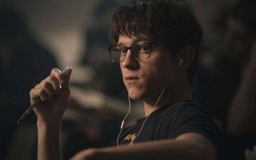 """Tom Holland é um médico de guerra traumatizado em trailer emocionante de """"Cherry""""; vem ver"""