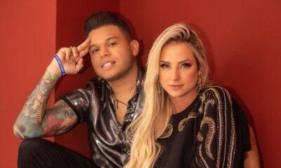 Gabi Martins manda carro de som para Tierry em comemoração ao primeiro mês de namoro