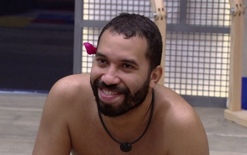 """BBB21: Gilberto fala sobre sensação de escapar do paredão: """"Tão bom acordar aqui dentro"""""""