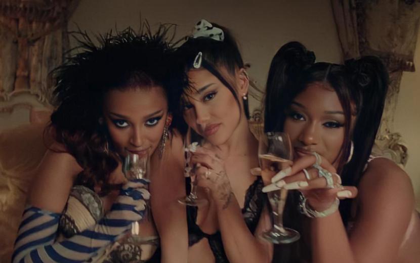 """Com muito poder e sensualidade, Ariana Grande, Doja Cat e Megan Thee Stallionarrasam no clipe do remix de """"34+35"""""""