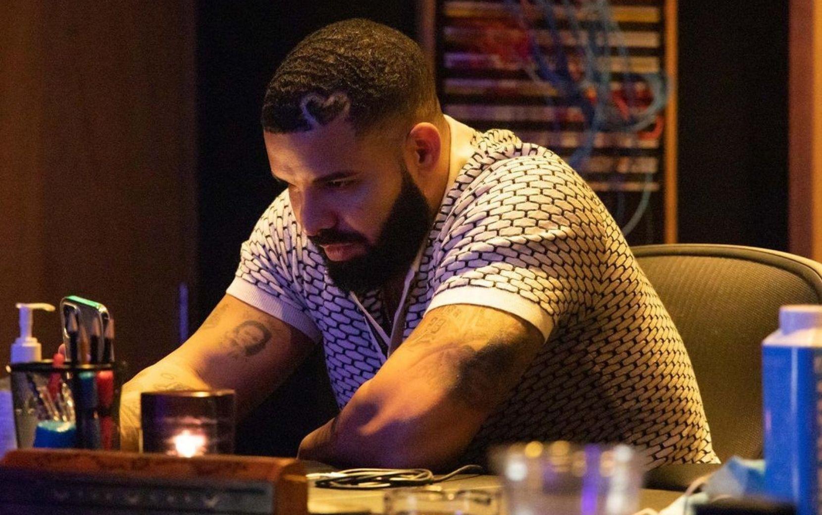 """Drake divulga segunda parte do EP """"Scary Hours"""" com três canções inéditas"""