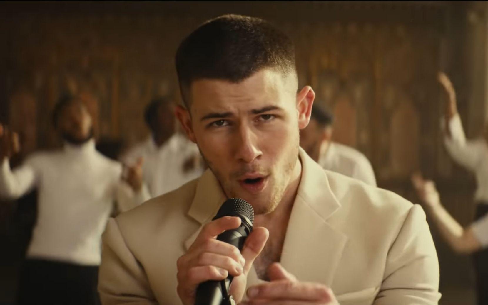 """Nick Jonas dá continuidade na divulgação de """"Spaceman"""" em clipe de """"This Is Heaven"""""""