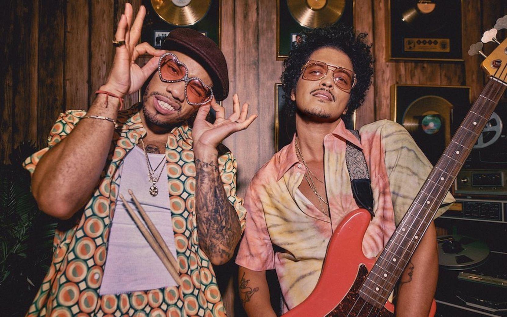 Mais uma performance no Grammy 2021: Bruno Mars e Anderson Paak se apresentarão como a banda Silk Sonic
