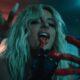 "Bebe Rexha é uma vampira poderosa no clipe intenso de ""Sacrifice"""
