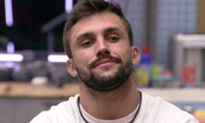 """BBB21: Arthur analisa sobre paredão: """"Minha única chance é alguém achar que eu estou forte lá fora"""""""