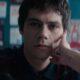 """Dylan O'Brien procura amiga desaparecida no trailer do novo suspense """"Flashback"""""""