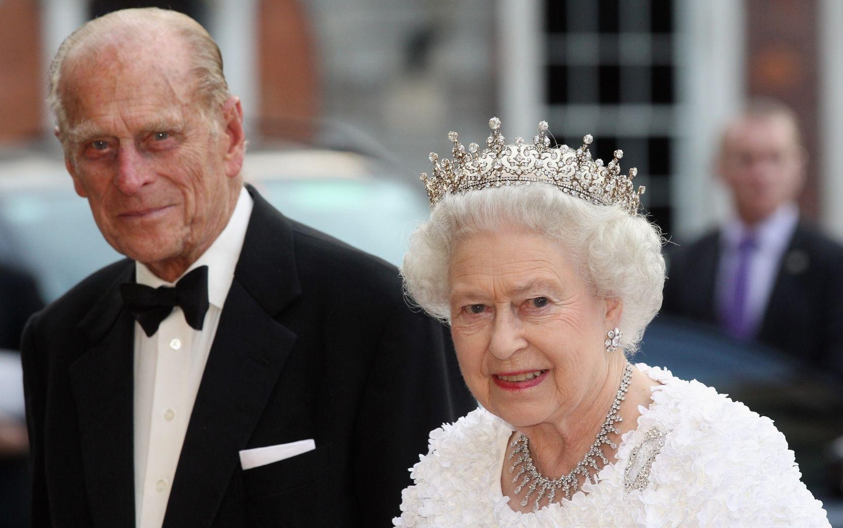 Príncipe Philip, marido da rainha Elizabeth II, morre aos 99