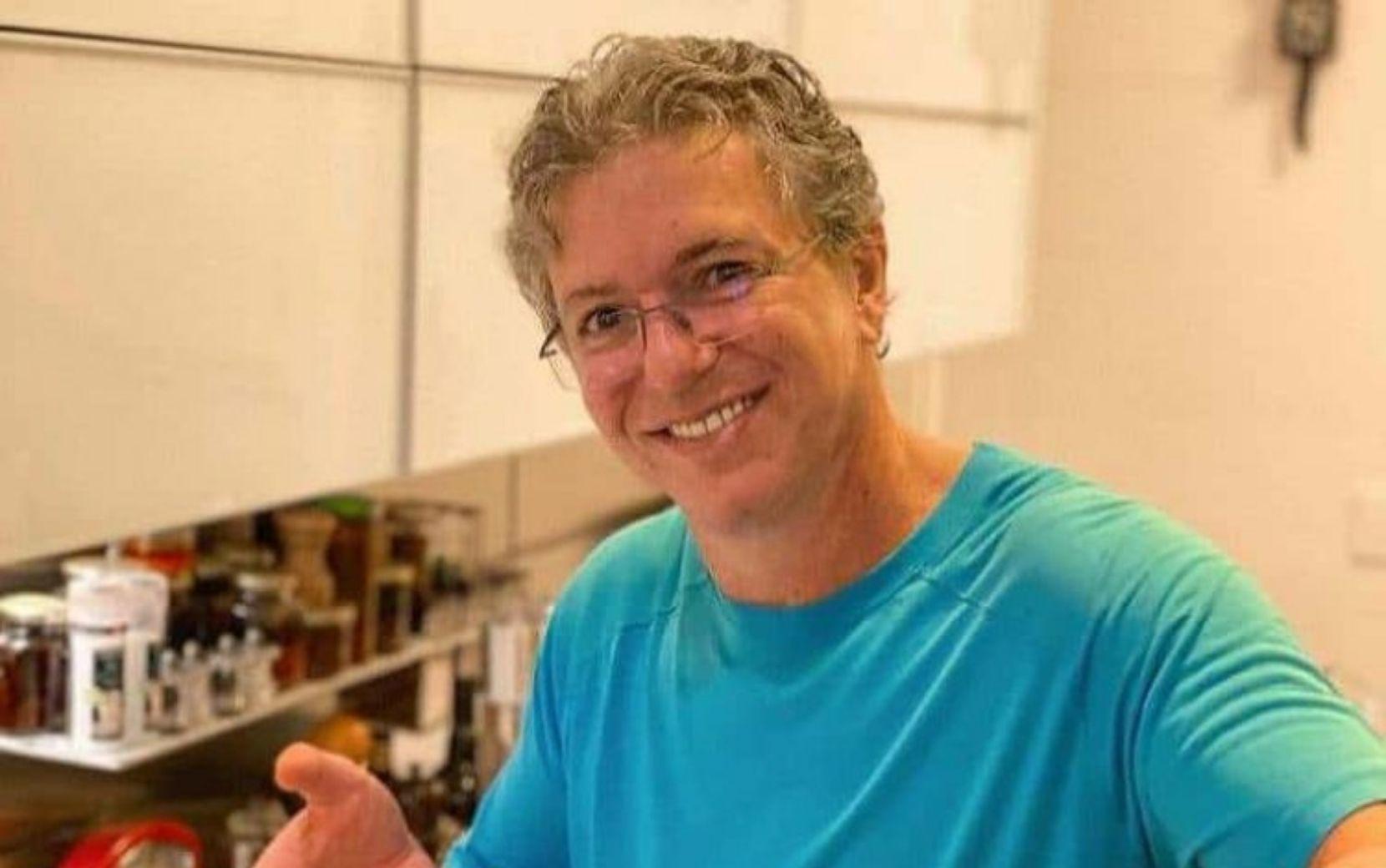 """Boninho sugere invadir festa do BBB21 e Tiago Leifert pede: """"Não, chefe. Pelo amor de Deus"""""""