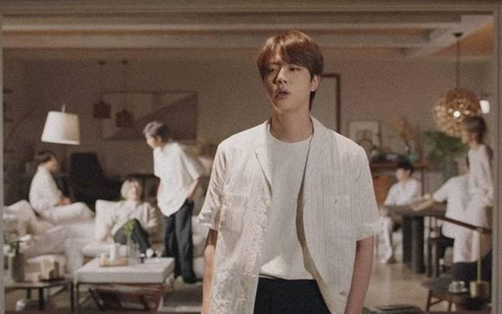 """BTS lança single em japonês, """"Film Out"""", com clima emotivo"""