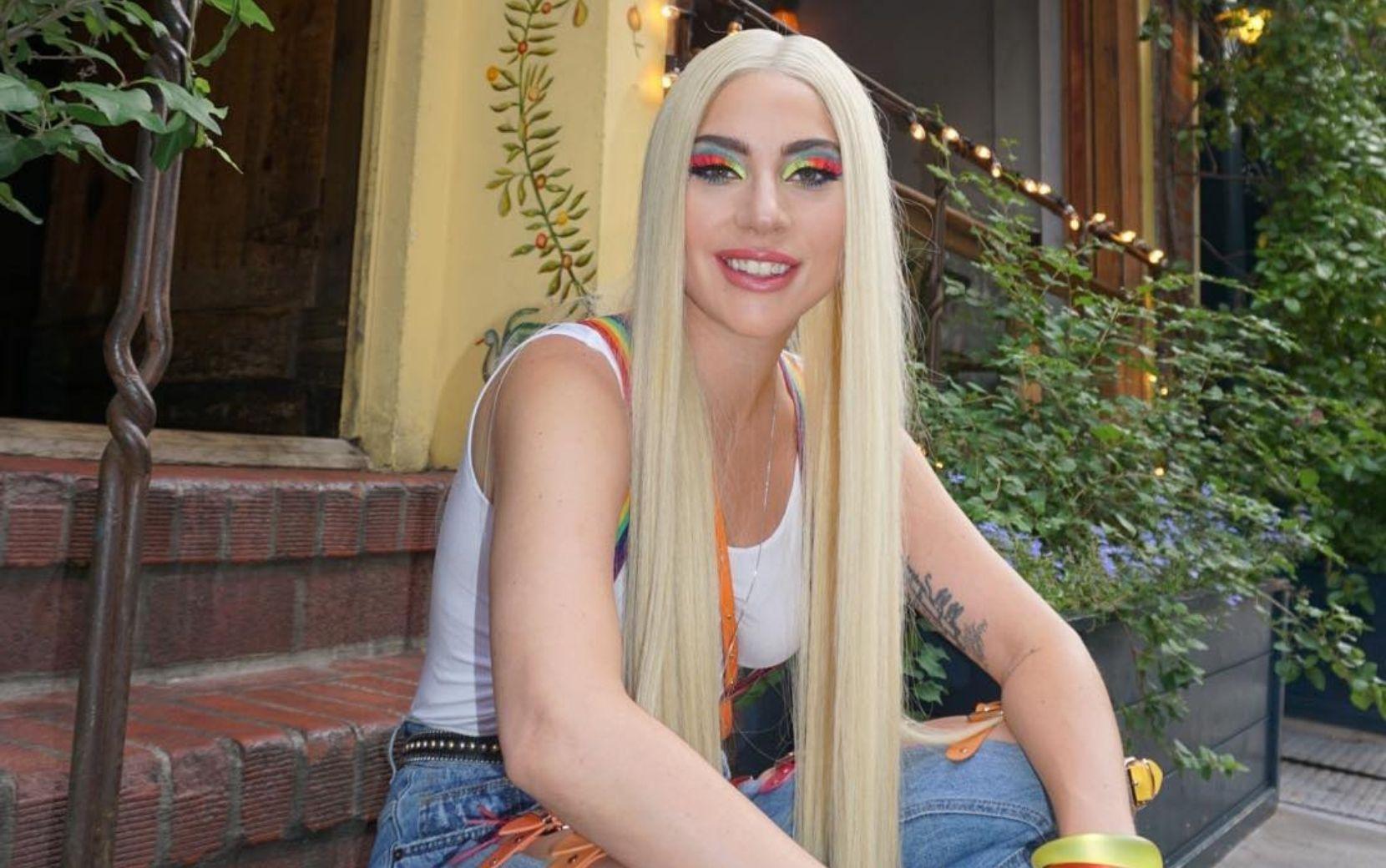 """Mais fotos de """"House of Gucci"""" vazam e Lady Gaga é flagrada vestida de noiva"""