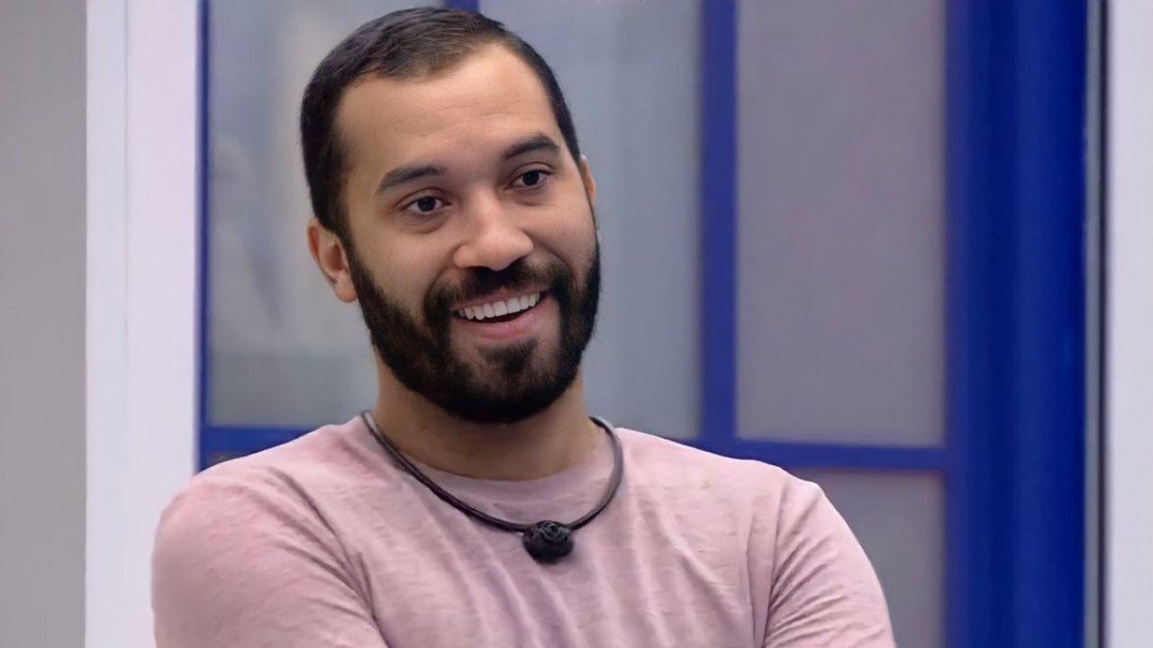 BBB21: com 50,87% dos votos, Gil é eliminado; confira discurso de Tiago Leifert
