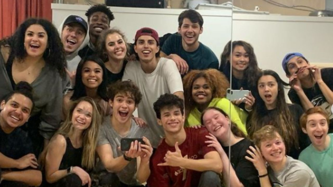 "Joshua Bassett compartilha bastidores da 2ª temporada de ""High School Musical: The Series"""