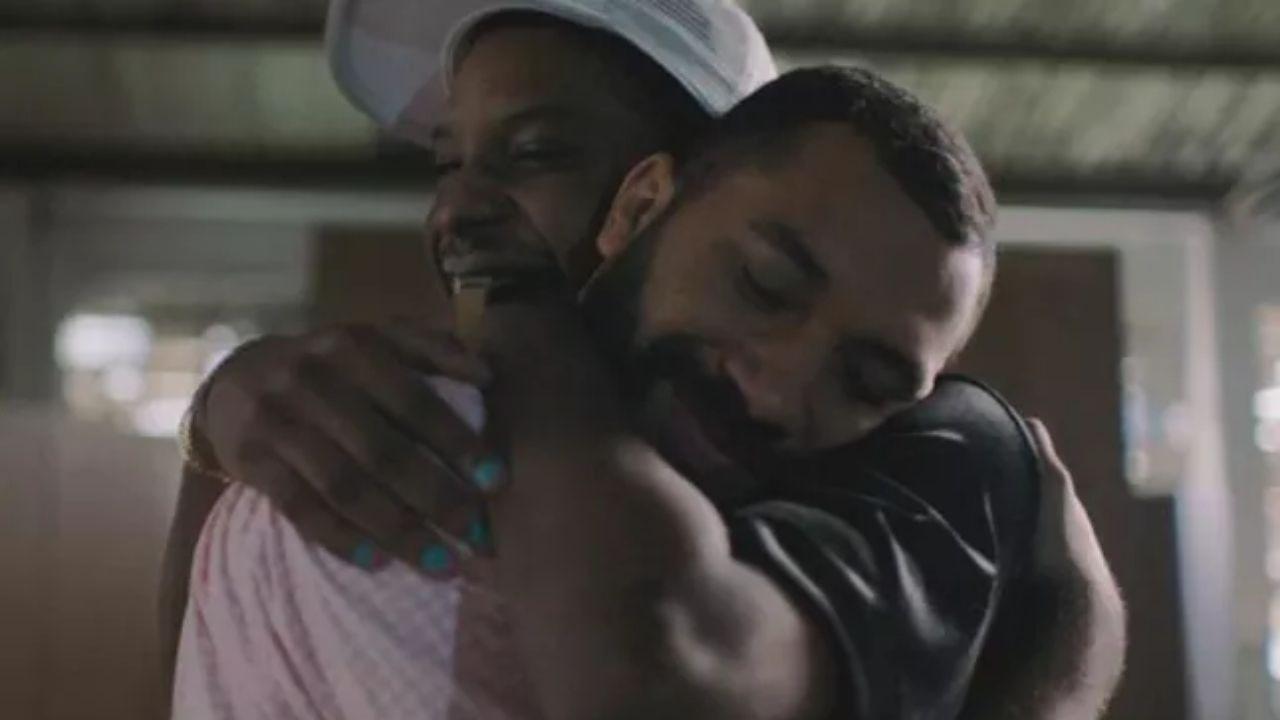 Gil e Lucas Penteado estrelam campanha publicitária para o Dia dos Namorados