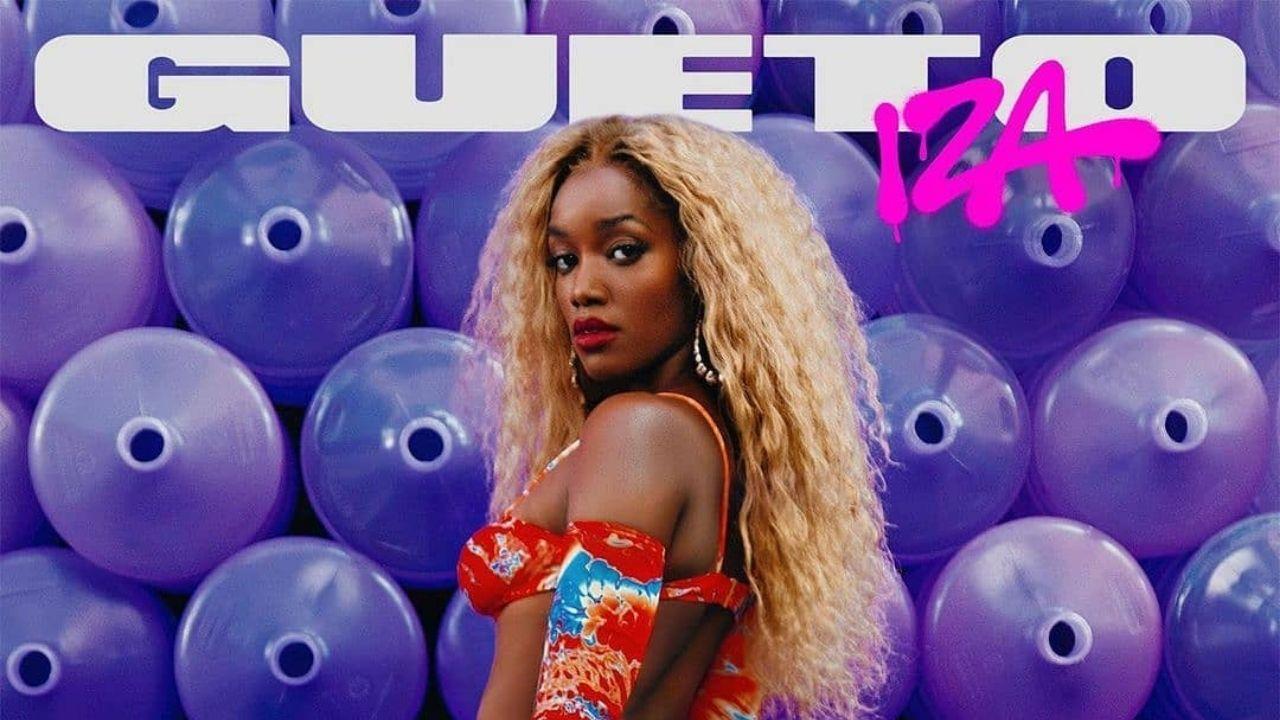 Iza surge loira em foto de divulgação do single Gueto