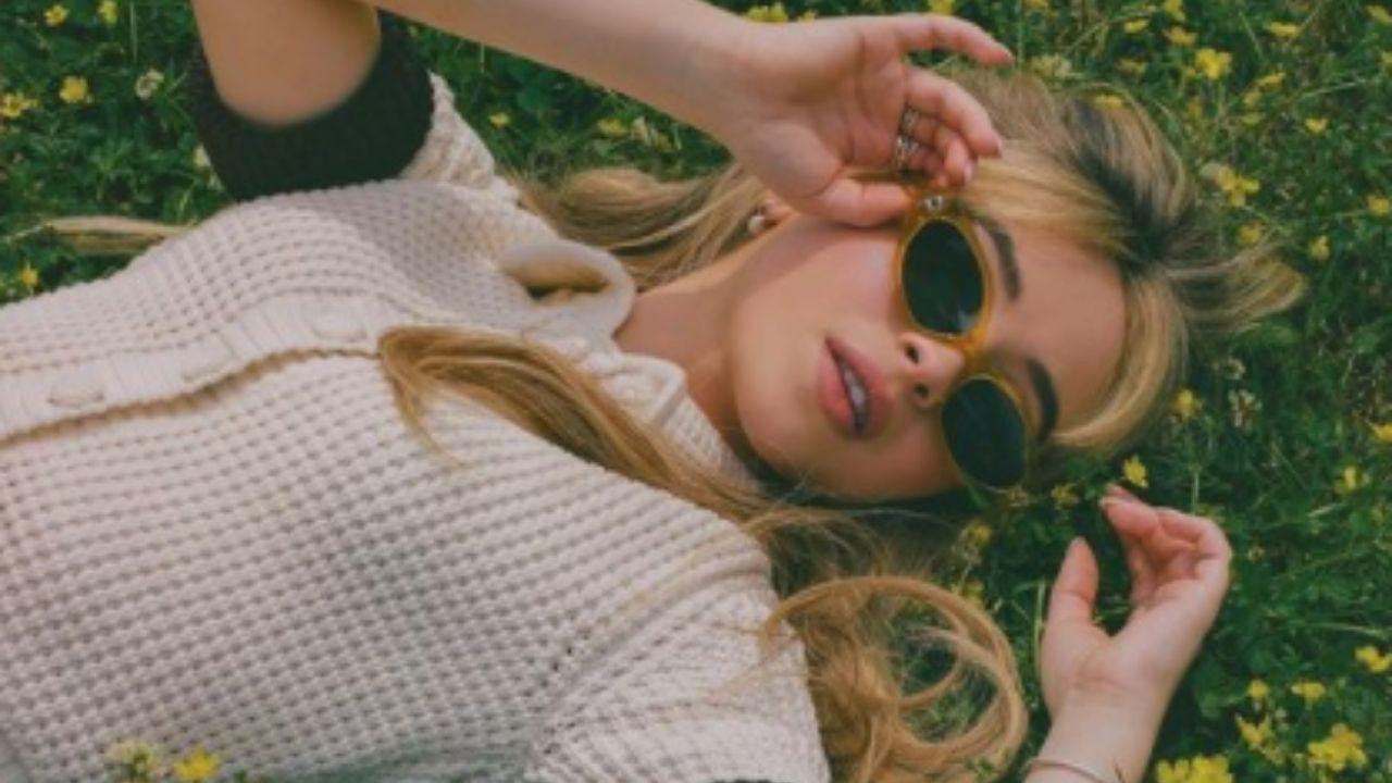 """Sabrina Carpenter revela mais detalhes da versão musical de """"Alice no País das Maravilhas"""""""