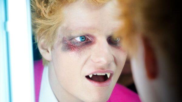 """Ed Sheeran divulga teaser inédito de """"Bad Habits"""", seu novo clipe - assista!"""