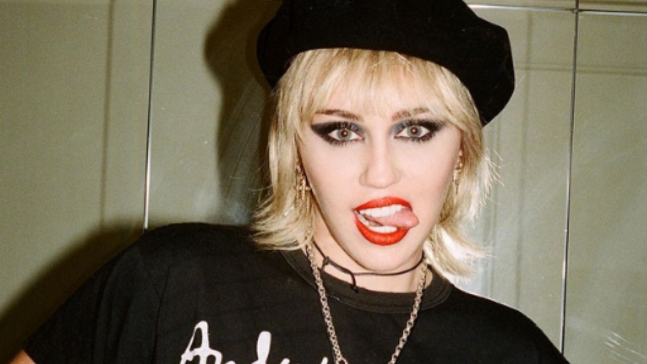 Miley Cyrus revela que está gravando álbum novo