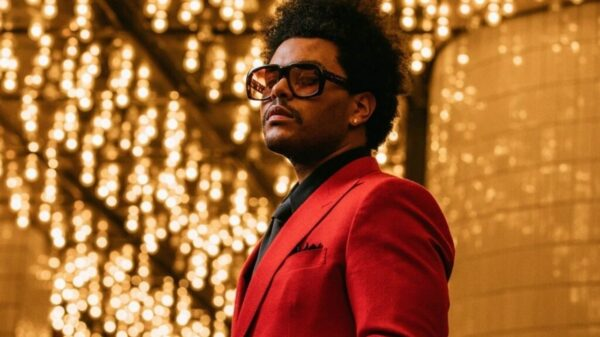 """The Weeknd surge enigmático e diz: """"a contagem regressiva começou"""""""