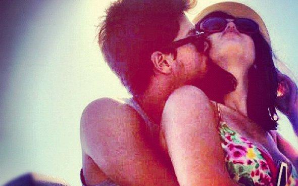 Giovanna Lancellotti posta foto ao lado de Arthur Aguiar