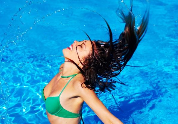 Como proteger os cabelos no verão